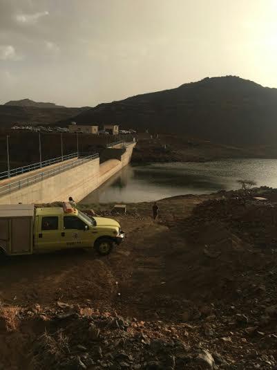 انتشال جثة عشريني بسد وادي تريمة في #نجران