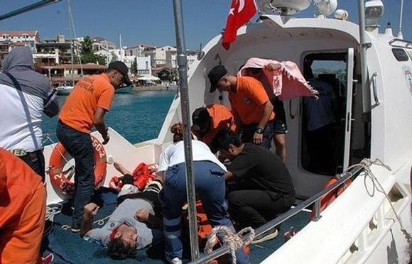 انتشال-جثث-مهاجرين-بسواحل-تركيا