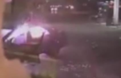 انفجار سيارة داخل محطة وقود بنيويورك