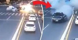 انفجار سيارة مسرعة