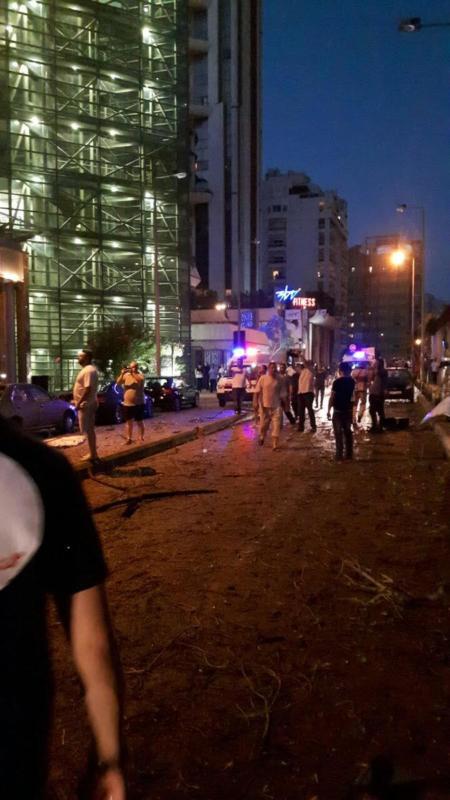 انفجار ضخم يُهِز العاصمة اللبنانية بيروت (1)