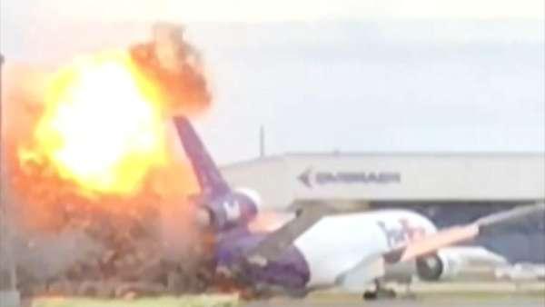 انفجار طائرة بمطار فلوريدا