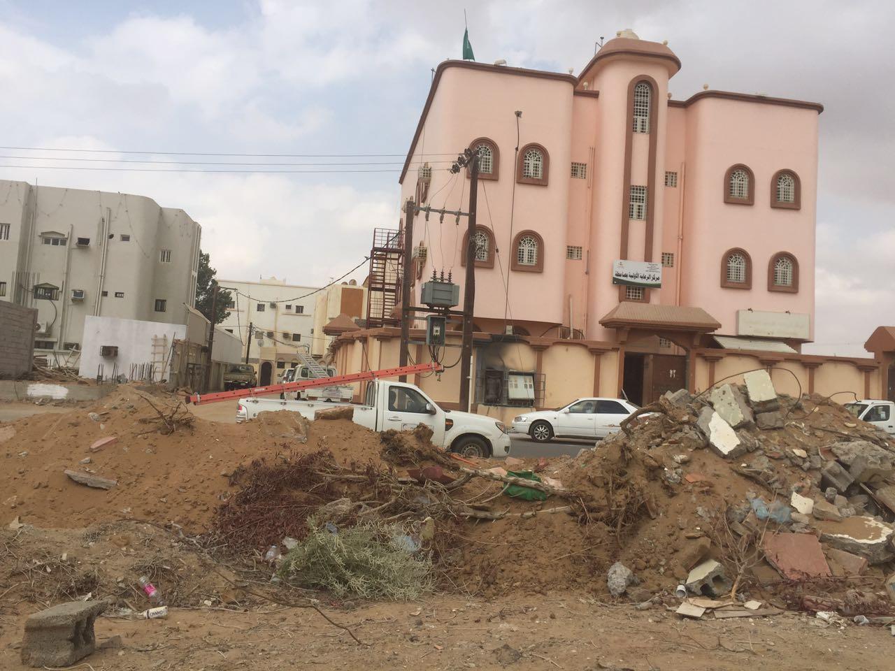 انفجار عداد يخلي مركز صحي بـصامطة (3)