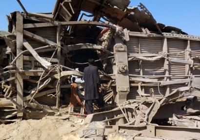 انفجار قطار بـ باكستان