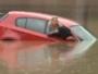 انقاذ امراة من السيول