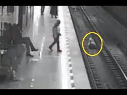 انقاذ صبي قطار