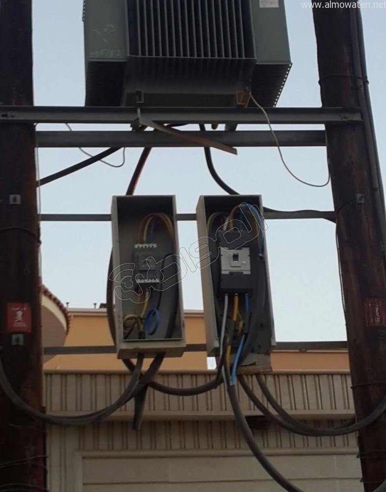 انقطاع-الكهرباء-بسكان-حي-الموسي-بخميس (2)