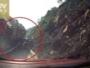 انقلاب لوري فوق سيارة ملاكي