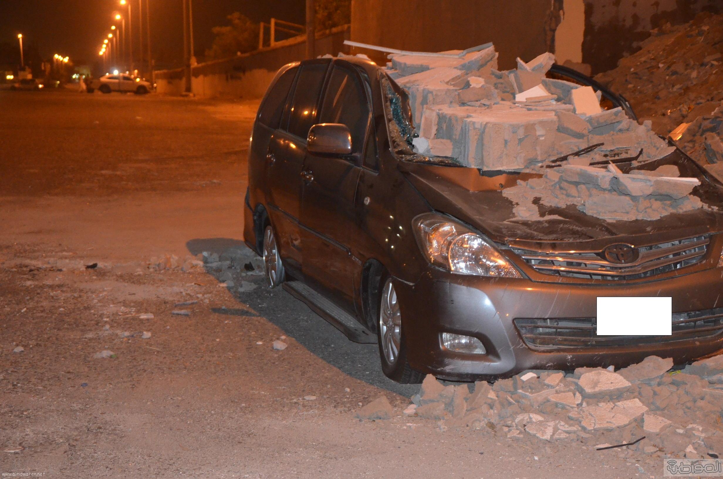 انهيار-جدار-علي-سيارة-بجدة (5)