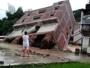 انهيار مبنى بسبب السيول