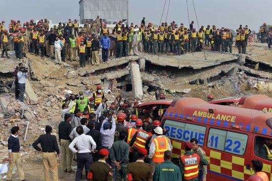 انهيار مصنع  باكستان