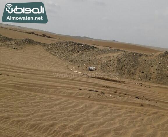 اهالي راكة بالبرك بعسير يشكون من سوء الطريق وزحف الرمال (4)