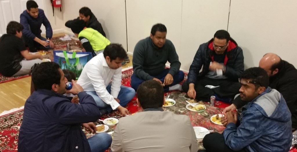 اهالي نيوكاسل يجتمع في الغربة على رائحة القهوة العربية (4)