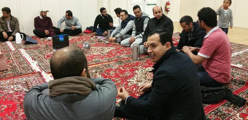 اهالي نيوكاسل يجتمع في الغربة على رائحة القهوة العربية (6)