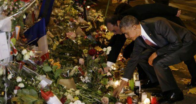 اوباما-يزور-موقع-هجمات-باريس