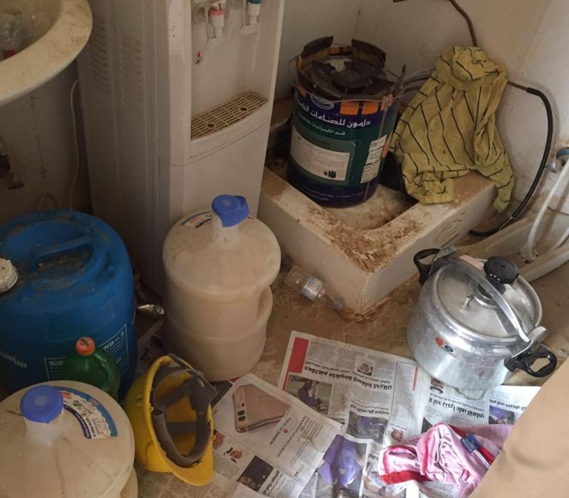 اﻹطاحة ب3 وافدين يديرون مصنعا للخمور بمحافظة أبو عريش (2)