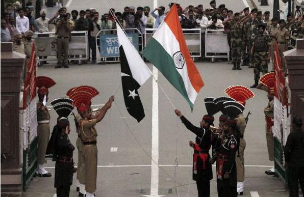 باكستان تغلق مدارس دينية تديرها جماعة متهمة بمهاجمة قاعدة جوية هندية