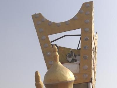 بالصور حفر ولافتات تبين إهمال البلدية للطريق الرئيسي ببارق