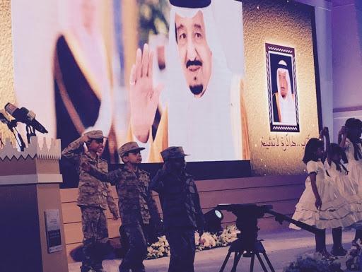 بالصور .. وزير الاعلام يفتتح #معرض_الرياض_الدولي_للكتاب10
