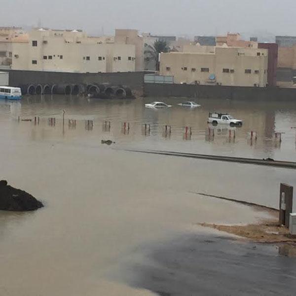 بالصور.. #سابغة تحول شوارع المملكة إلى مغاطس (10)