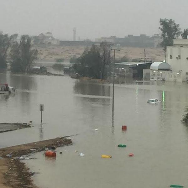 بالصور.. #سابغة تحول شوارع المملكة إلى مغاطس (11)