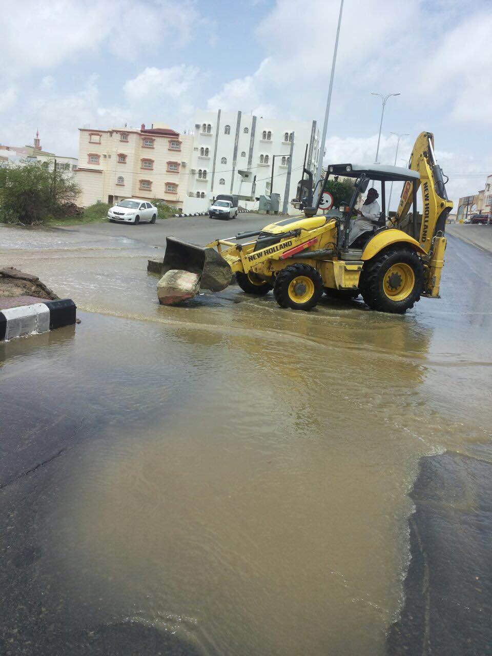 بالصور.. مدني #عسير هذه حصيلة الحوادث المصاحبة لأمطار الأربعاء (12)