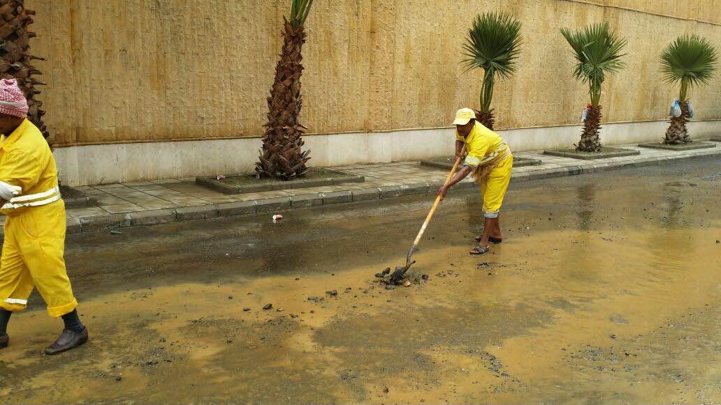 بالصور.. مدني #عسير هذه حصيلة الحوادث المصاحبة لأمطار الأربعاء (5)