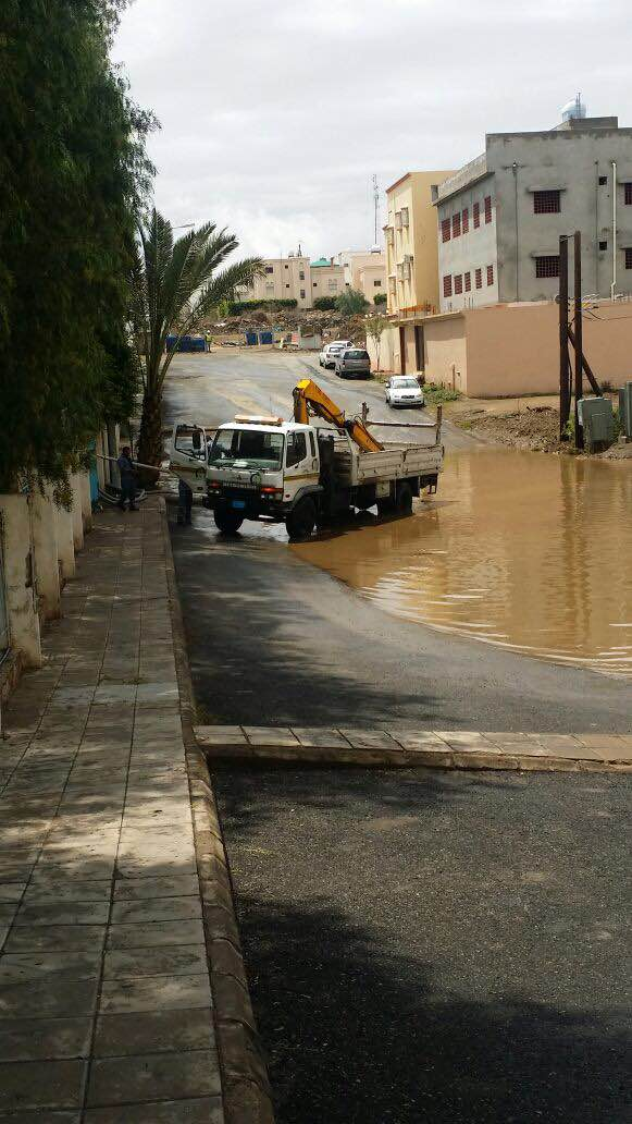 بالصور.. مدني #عسير هذه حصيلة الحوادث المصاحبة لأمطار الأربعاء (6)