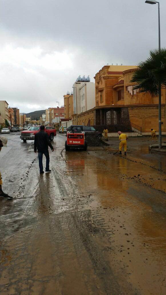 بالصور.. مدني #عسير هذه حصيلة الحوادث المصاحبة لأمطار الأربعاء (7)