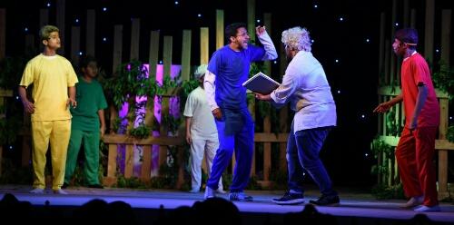 بالصور.. مسرحيات الإطفال تنال إعجاب رواد مهرجان الطفل والعائلة بـ #الخبر (1)