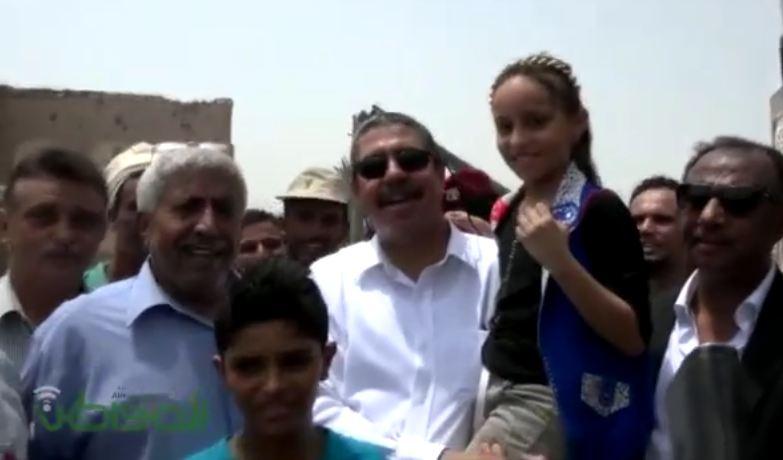 شاهد بالفيديو .. لقطات خاصة لنائب الرئيس اليمني في #عدن