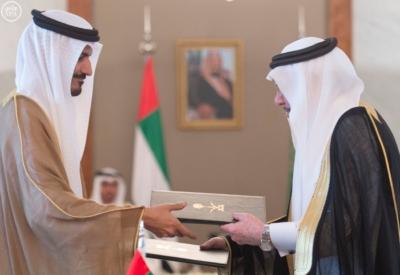 بحضور الملك وولي عهد أبو ظبي توقعان محضر انشاء مجلس التنسيق السعودي10