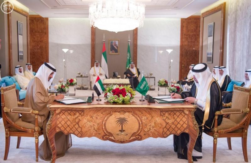 بحضور الملك وولي عهد أبو ظبي توقعان محضر انشاء مجلس التنسيق السعودي5