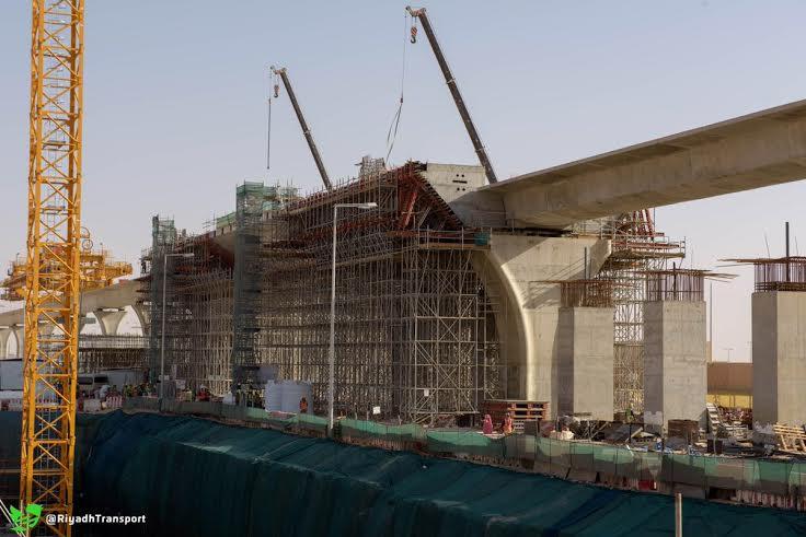 بدء ظهور مَعَالِم المحطات العُلْويّة لقطار الرياض (1) 