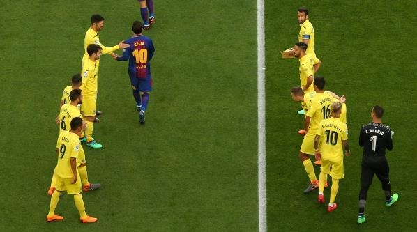 برشلونة ضد فياريال 6