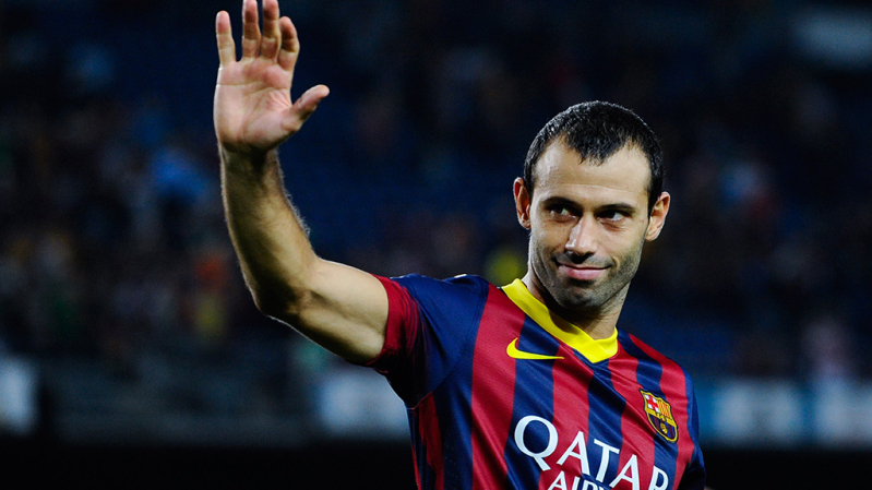 BARCELONA, SPAIN - AUGUST 28:  Javier Mascherano of FC Barcelona celebrates after winning the Spanish Super Cup during the Spanish Super Cup second leg match between FC Barcelona and Atletico de Madrid at Nou Camp on August 28, 2013 in Barcelona, Spain.  (Photo by David Ramos/Getty Images)