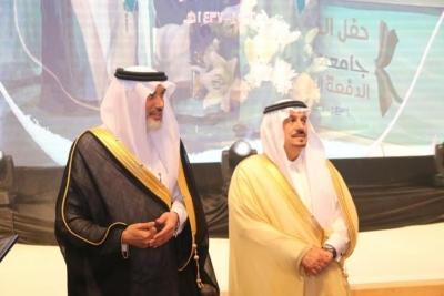 برعاية أمير الرياض.. حفل تخريج 5 آلاف طالب بجامعة شقراء (286340739) 