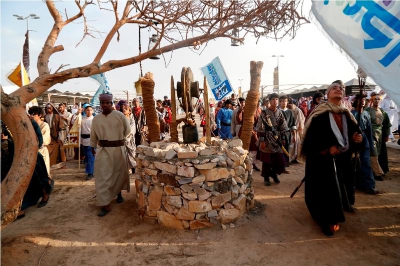 برعاية الملك وحضور الفيصل سوق عكاظ يستقبل جمهور الجادة (1)