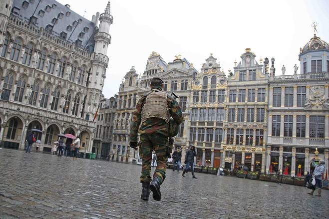 بروكسل تتحول إلى ثكنة عسكرية (4)