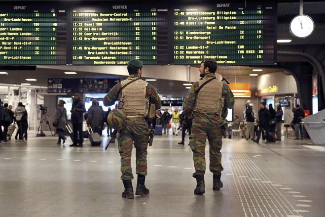 بروكسل تتحول إلى ثكنة عسكرية (7)