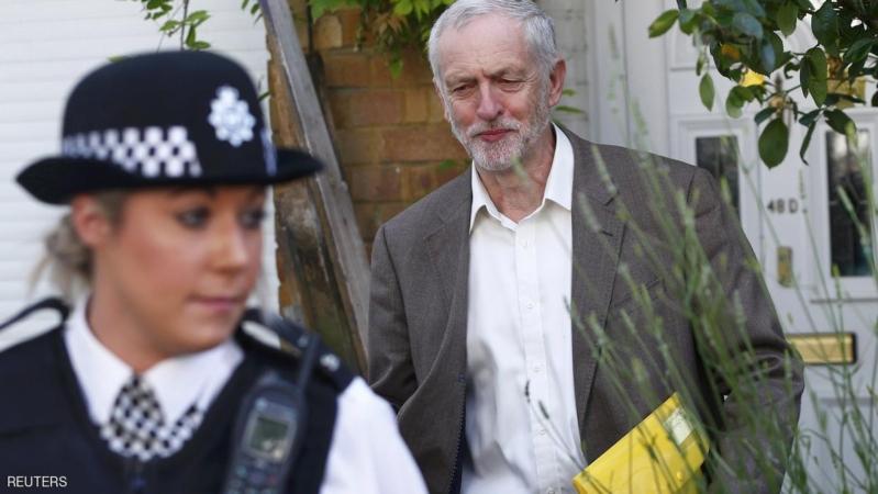 """بريطانيا.. زعيم """"العمال"""" يرفض الاستقالة رغم خسارة الثقة"""
