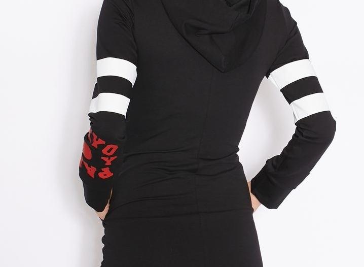 بفستان بياقة هودي2