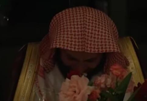 بكاء الشيخ ال طالب