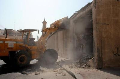 بلدية الخبر تزيل 8 مباني مجهورة وآيلة للسقوط - شيول