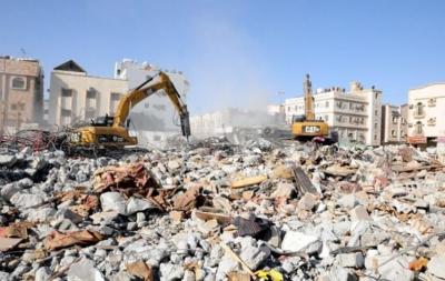 بلدية الخبر تزيل 8 مباني مجهورة وآيلة للسقوط1
