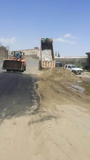 بلدية الخميس تردم موقعًا لتجمّع المياه2