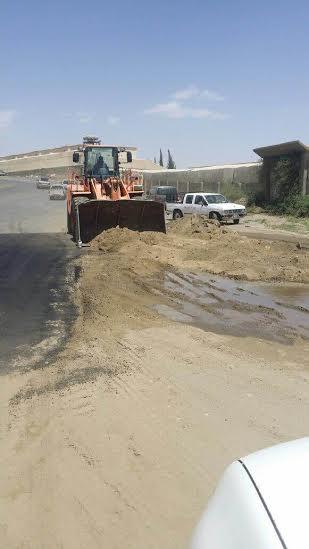 بلدية الخميس تردم موقعًا لتجمّع المياه3