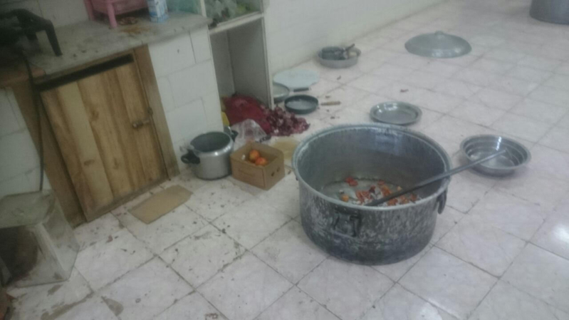 بلدية المخواة تصادر ربع طن لمواد غذائية وأدوات للطبخ (277513781) 