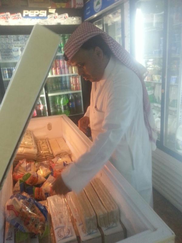 بلدية فيفاء تواصل جولاتها الرقابية خلال شهر رمضان (1)