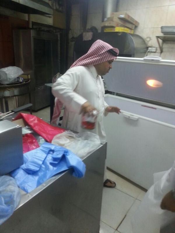 بلدية فيفاء تواصل جولاتها الرقابية خلال شهر رمضان (399885163) 